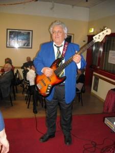 Strongoli Giuseppe - Guitar bass
